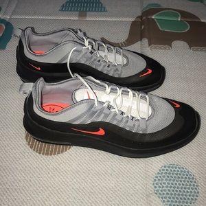 NWOT Nike size 12